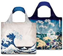 Ultra beau et pratique, le sac shopping pliable Hokusai de la collection Museum Loqi